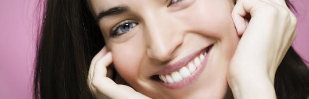 Dentro de todas as técnicas de Reabilitação Oral e Dentisteria Cosmética as Facetas de Porcelana são de longe a minha técnica perferida e que eu uso sempre que o caso o permite.