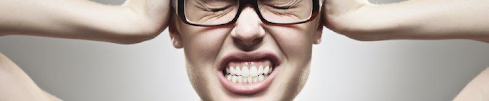 O Bruxismo (hábito de ranger ou apertar os dentes) é um hábito parafuncional (o que quer dizer que não faz parte da função normal dos dentes), bastante frequente e que passa despercebido na maior parte das vezes.